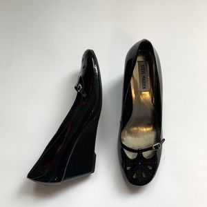 Steve Madden Black Patent Wedge 10 W/ Toe Cut Out